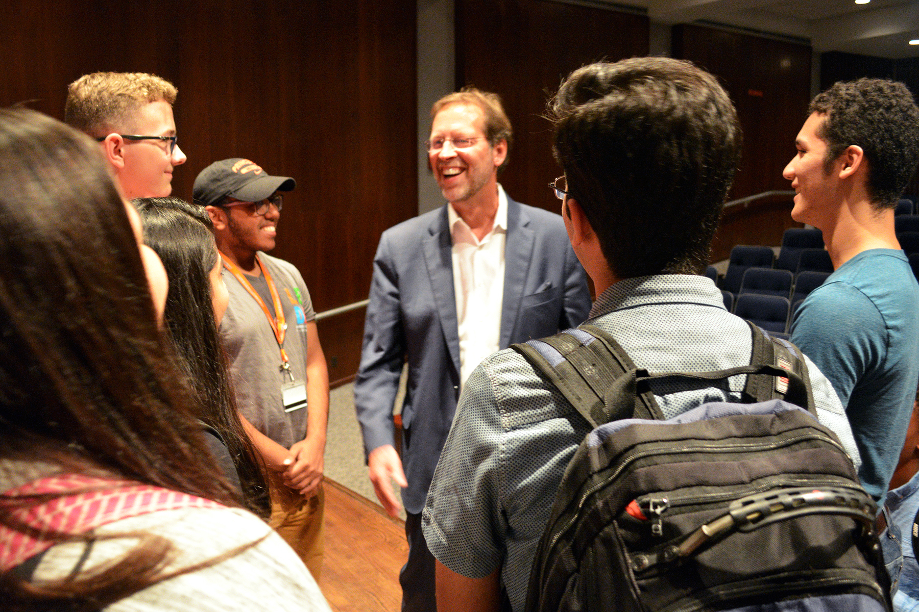 Daniel Porterfield meets with LEDA Cohort 13 Scholars